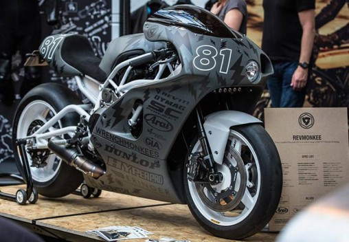 Для тюнингованного Kawasaki H2 создали уникальные шины